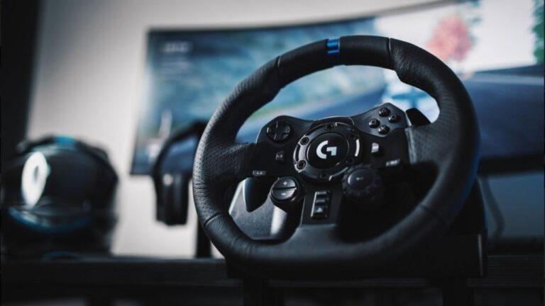 Logitech G presenta el primer volante de carreras con tecnología TRUEFORCE