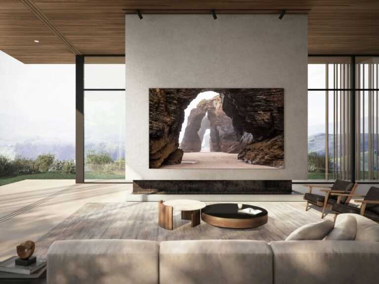 Samsung lanza una TV MicroLED de 110″
